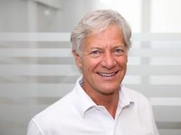 Dr. Tim Wulff
